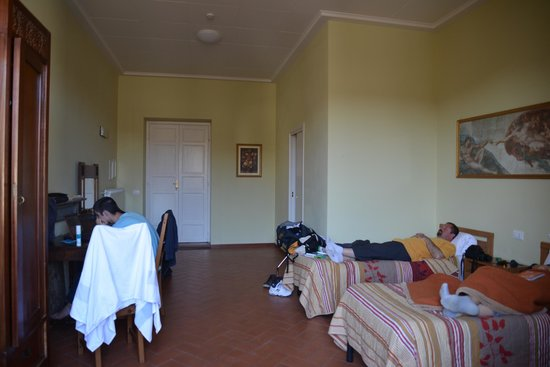 Casa Santo Nome di Gesu: three bed room