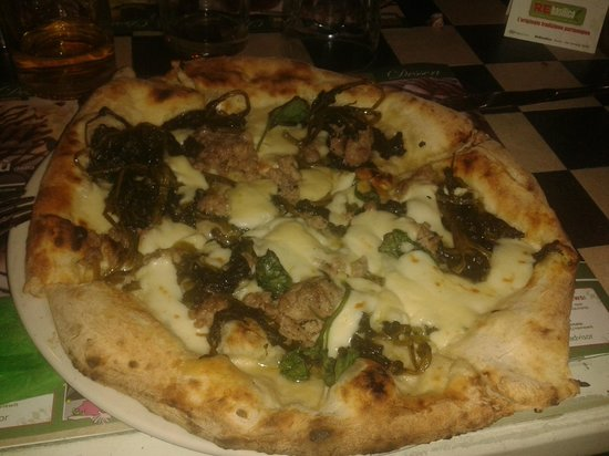 REbasilico Cernaia: salsiccia e friarielli pizza