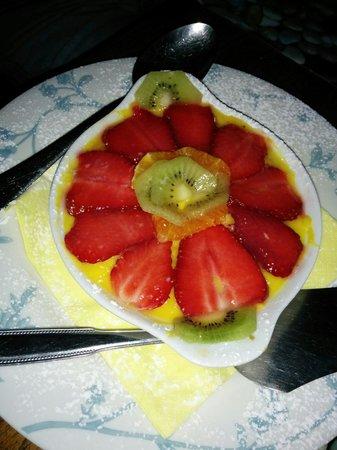 Lo Steccheto: Dolce alla crema e frutta