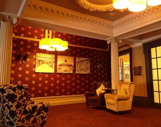 The St George Hotel: Foyer