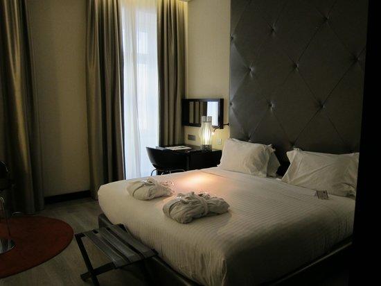 Hotel Santa Justa: Bed