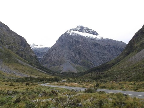 GreatSights New Zealand Day Tours: Getting close to Milford Sound
