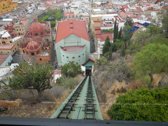 Casa Zuniga B&B : The Funicular into the Center of town