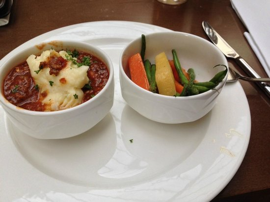 Dalmahoy Hotel & Country Club: Cottage pie as shown on a small dinner plate