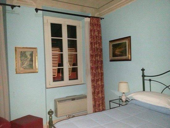 """Hotel Locanda """"La Lanterna"""" : camera con finestre anti rumore"""