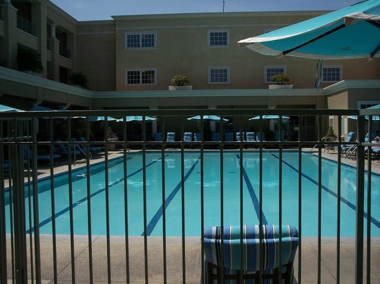 Main pool picture of balboa bay resort newport beach for Balboa bay resort