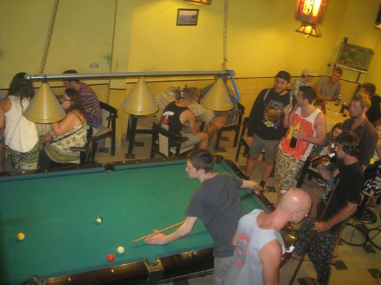 The Hangout Bar: Pool competition
