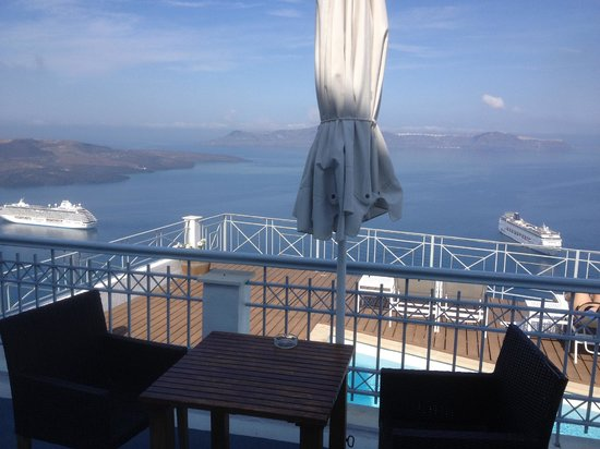Athina Luxury Suites : View from private padio