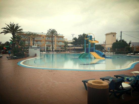 Terralta Apartamentos Turisticos: Pool