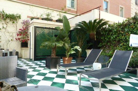 Hotel Praktik Rambla: Courtyard