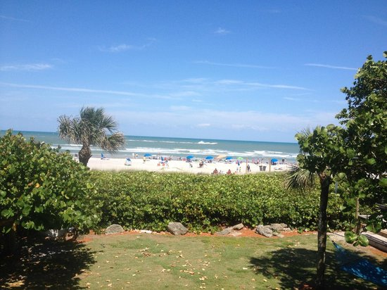 International Palms Resort & Conference Center Cocoa Beach: 2nd floor ocean front