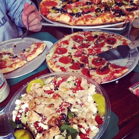 Jason's : Greek salad and pizzas...mmmmmmmm!!