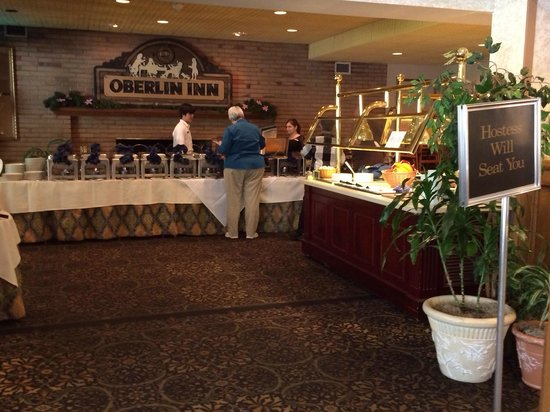 Oberlin Inn: The Sunday morning buffet setup!  The aroma was most enticing!
