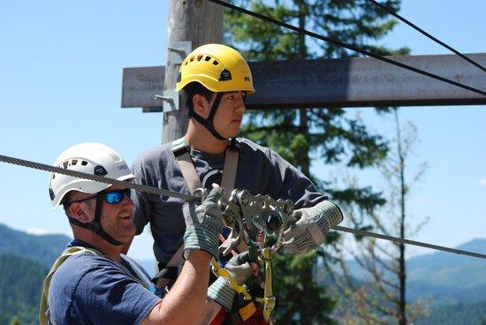 Silver Streak Zipline Tours : Safety is primary!