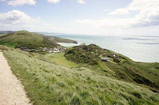 Durdle Door Holiday Park : walk to lulworth