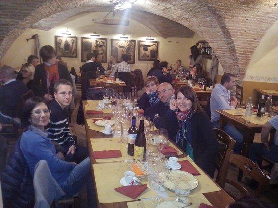 Taverna Pane e Vino : interno locale
