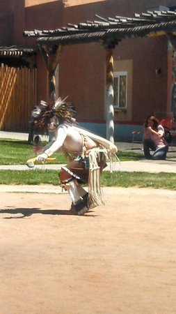Indian Pueblo Cultural Center : The hunter