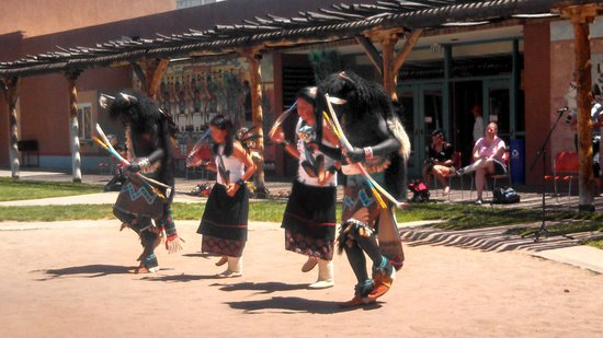 Indian Pueblo Cultural Center : The Acoma dancers