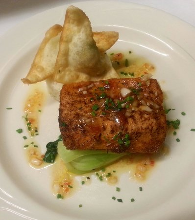 The Greens at Copake Country Club: Pan Roasted Salmon, Baby Bok Choy, Fried Crab Wontons