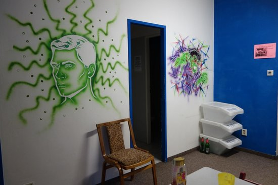 Blind Eye Hostel & Guest House: common space