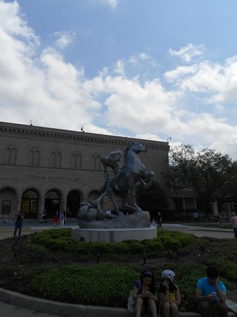 Chrysler Museum of Art: Equestrian sculpture