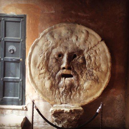 Vatican Gardens: Bucca della verita