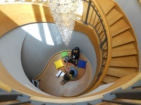 Chrysler Museum of Art: Staircase