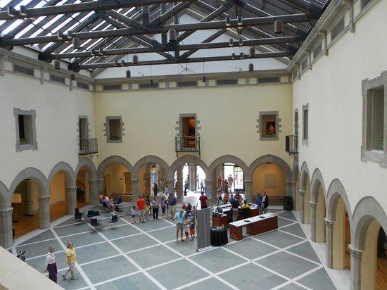 Chrysler Museum of Art: Courtyard