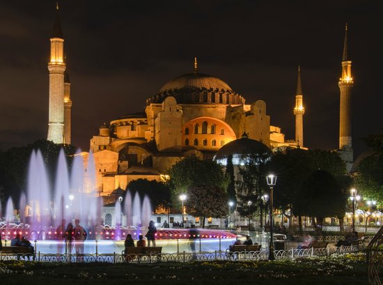 World Heritage Hotel Istanbul: Hagia Sophia at night - 10 minute walk from Hotel
