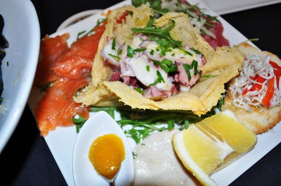 Tony's Food & Drinks: Delicious food