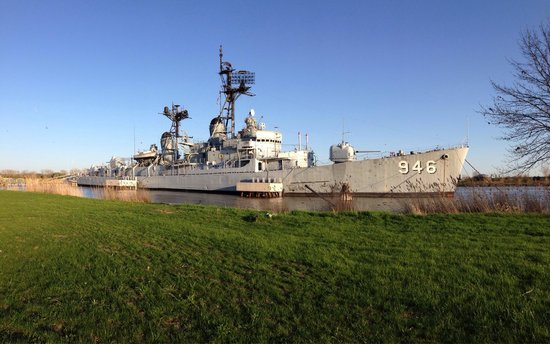 Saginaw Valley Naval Ship Museum : USS Edson! The Gray Ghost of Bay City!