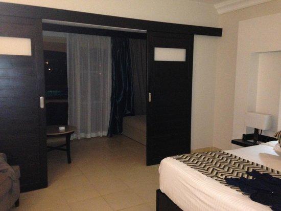 Coral Sea Holiday Resort & Aqua Park: Room