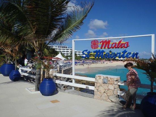 Sonesta Maho Beach Resort, Casino & Spa : Ocean Terrace Restaurant View toward Beach