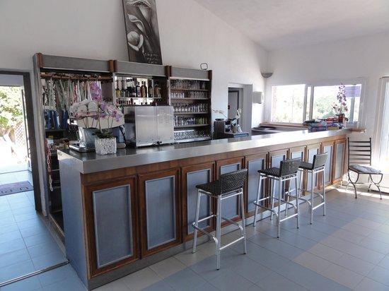 U Pirellu Residence : Le bar de la piscine
