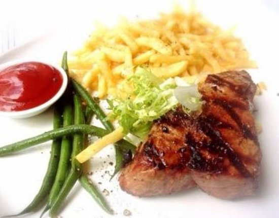 Fred's Not Here Restaurant: Wood Grilled Steak (Medium Cooked)