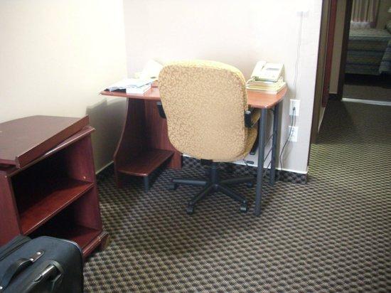 Moonlight Inn And Suites Sudbury : Room 122