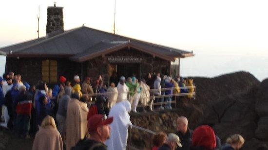 Maui Sunriders: Waiting at the summit