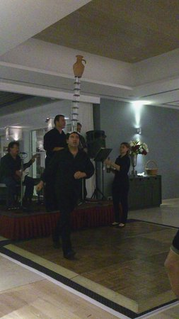 The Royal Apollonia: Greece show at the diner