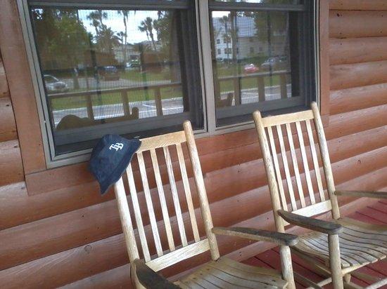 MacRae's of Homosassa: The Porch