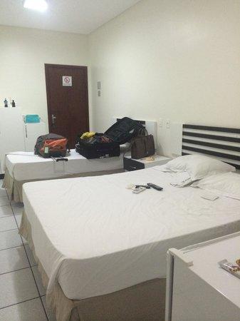 Neves Hotel : Quarto confortável