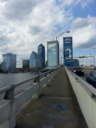 Hampton Inn Jacksonville Downtown I-95: Jacksonville bridge to downtown