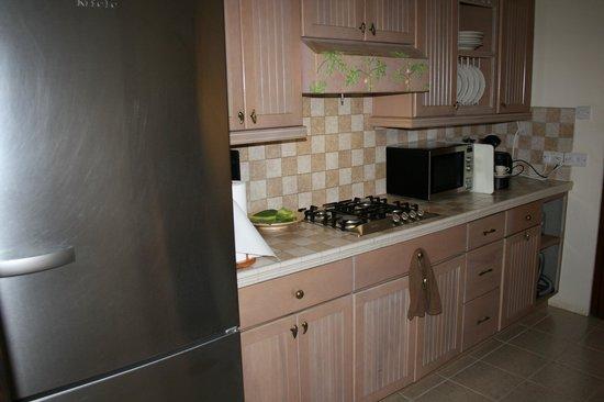 Maca Bana : Well equipped kitchen