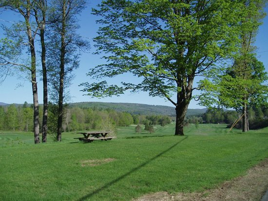Three Stallion Inn: View from Carriage House out over golf course and mountains