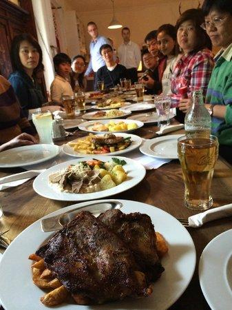 Gasthof Simony Restaurant am See: good food, fast !!