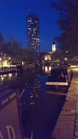 Castlefield Urban Heritage Park : fab walk at night