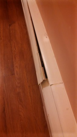 International Inn and Suites on Cape Cod: heat vent busted