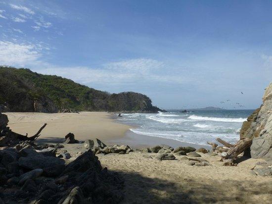 Hacienda de la Costa: Walk to this beach