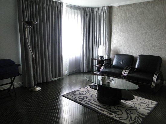 Hotel Shangri-La Santa Monica : Sala da suíte