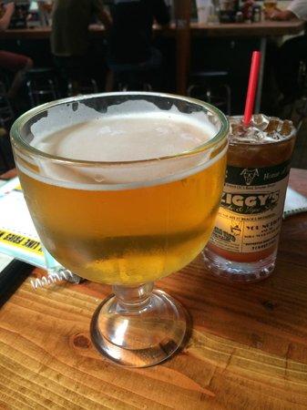 Mutt Lynch's: A really Big Beer