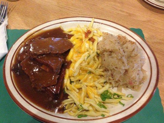 Helga's German Restaurant: Sauerbraten ist Super